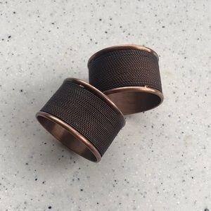 Ser of 2 antiqued copper filigree napkin holders